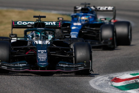 Lance holds off Fernando Alonso in the Grand Prix