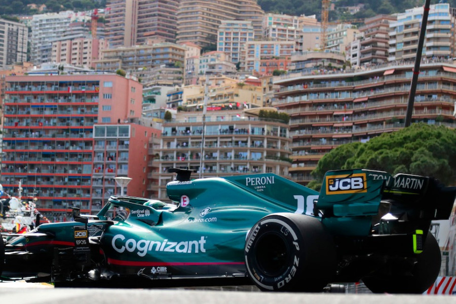 Lance enters the chicane against the Monte Carlo backdrop