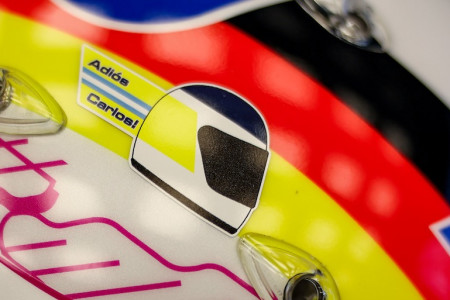 Sebastian ran a tribute sticker to Grand Prix race winner Carlos Reutemann following his recent passing