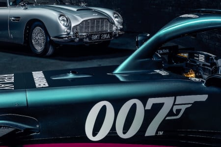 The AMR21 features a 007 livery